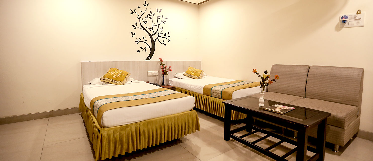 hotels in mp nagar